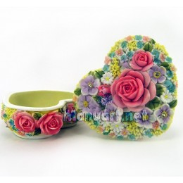 Heart-shaped with roses Trinket box