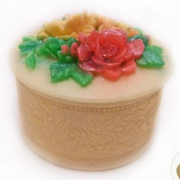 Trinket box with flowers