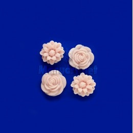 Mold mini roses and chrysanthemums