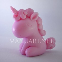 Sitting Unicorn 3D